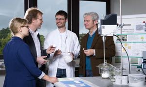 Besprechung mit wissenschaftlichen Beschäftigten